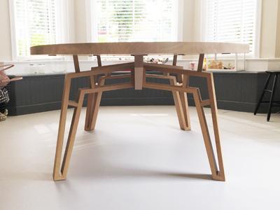 Spinnenpoot tafel Vries