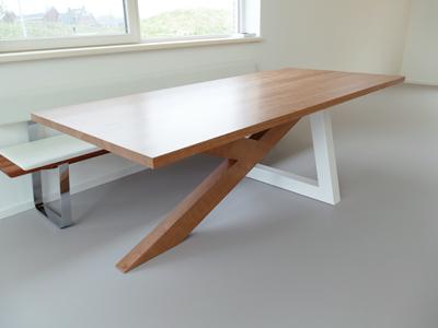 Amerikaans Kersenhout – Ypsilon tafel te Zuidhorn